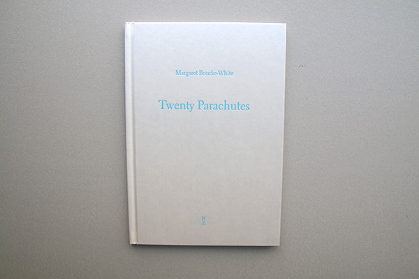twenty_parachutes