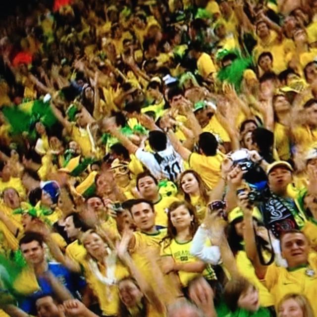 開幕戦。ブラジルのゴールすごすご