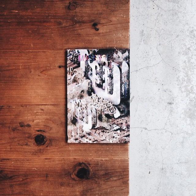 MASSAGE 10インターネットカルチャーで新しい表現を追及しているアーティストの特集です。