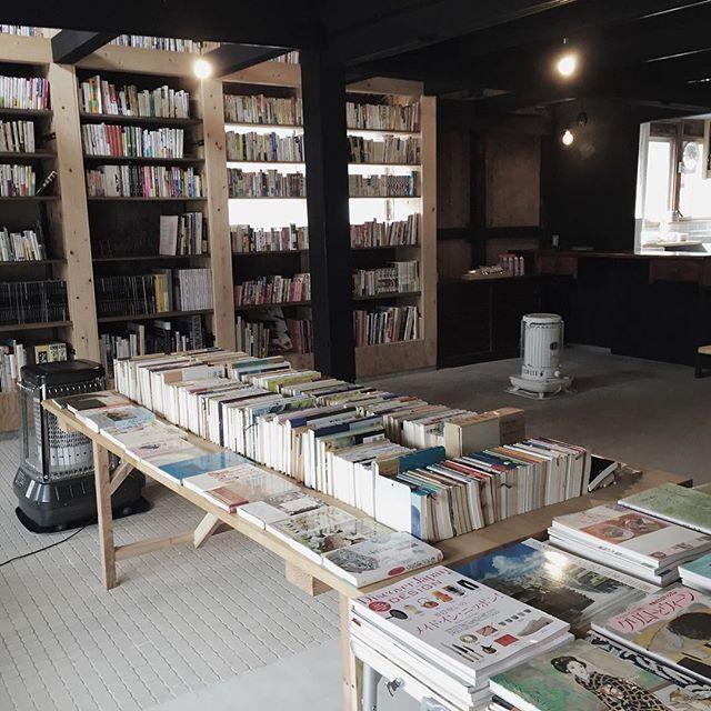 岡山県新庄村で期間限定の本屋を作ってきましたここは元床屋さん